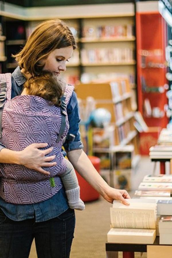 4 libri sul babywearing da leggere e regalare
