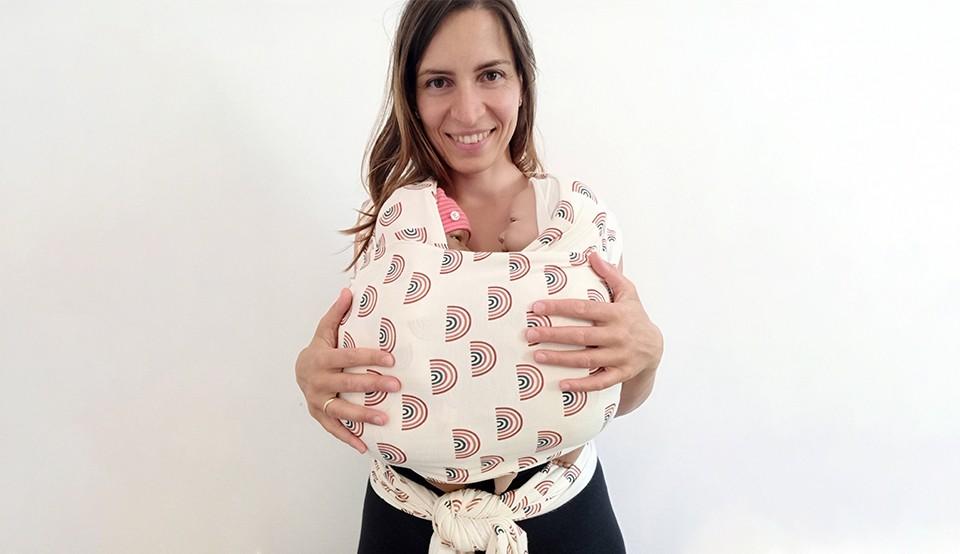 Portare in tandem: la pratica salva-vita per le mamme bis!